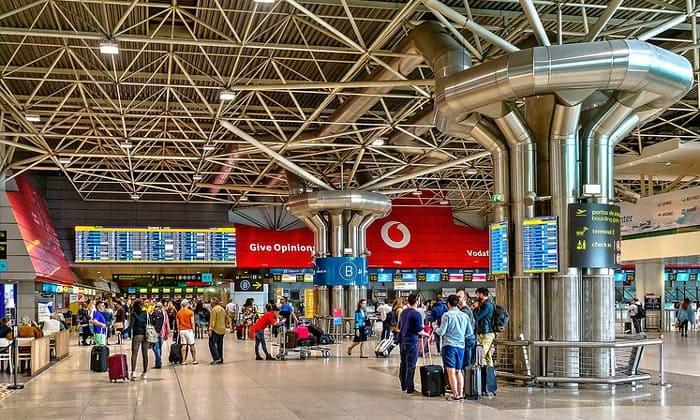 Аэропорт Портела (Терминал 1) в Лиссабоне