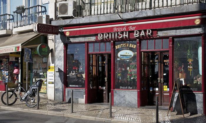 Бар British в Лиссабоне