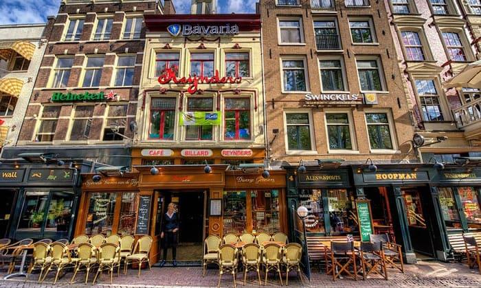 Бары площади Лейдсеплейн в Амстердаме