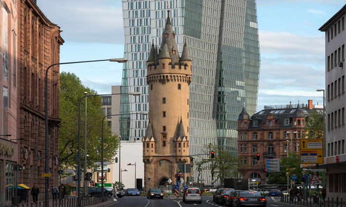 Башня Эшенхайм во Франкфурте