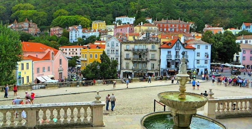 Центральная часть города Синтра (Португалия)