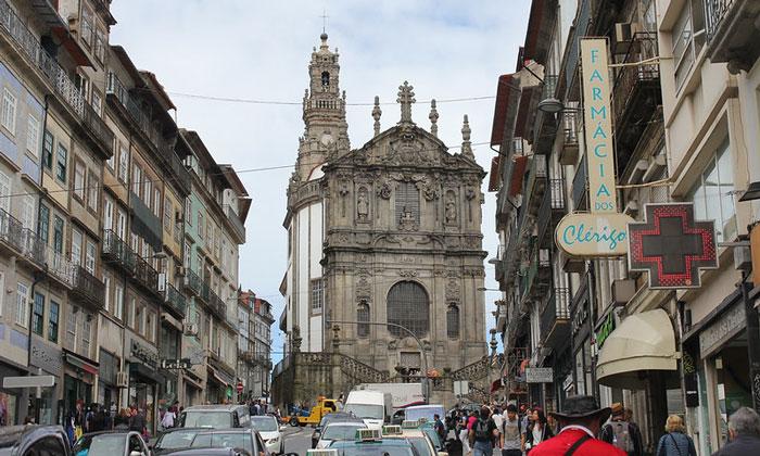 Церковь Клеригуш в Порту