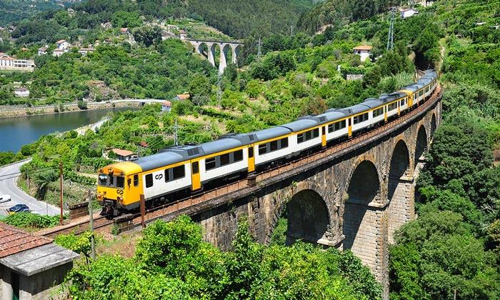 Железная дорога Дору