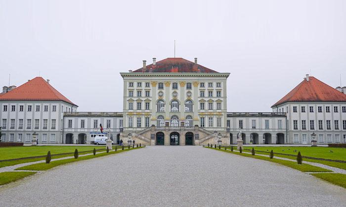 Замок (дворец) Нимфенбург в Мюнхене