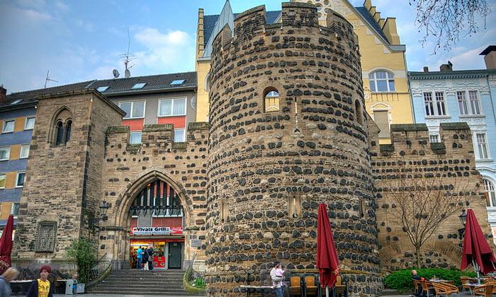 Сторожевые ворота (Sterntor) в Бонне