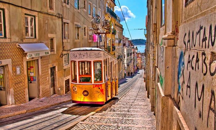 Фуникулёр Bica в Лиссабоне