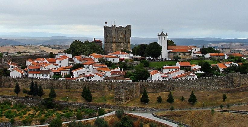 Город Браганса в Португалии