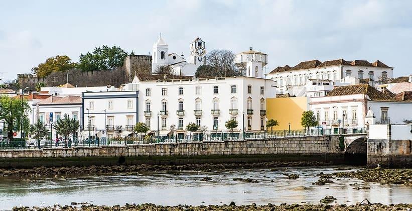 Город Тавира в Португалии