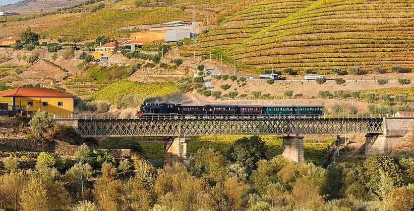 Железная дорога Дору в Португалии