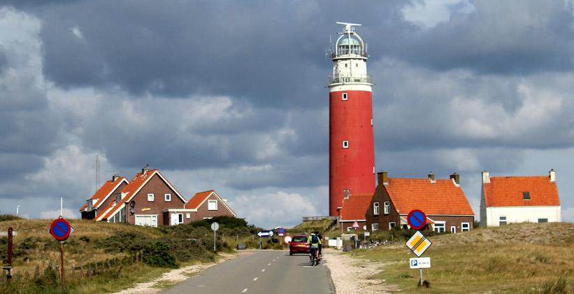 Маяк на острове Тессел (Нидерланды)