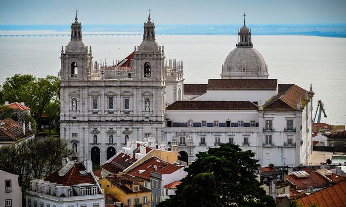 Монастырь Сан-Висенте-де-Фора в Лиссабоне