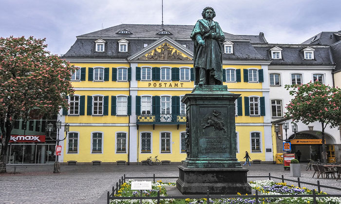 Памятник Бетховена в Бонне