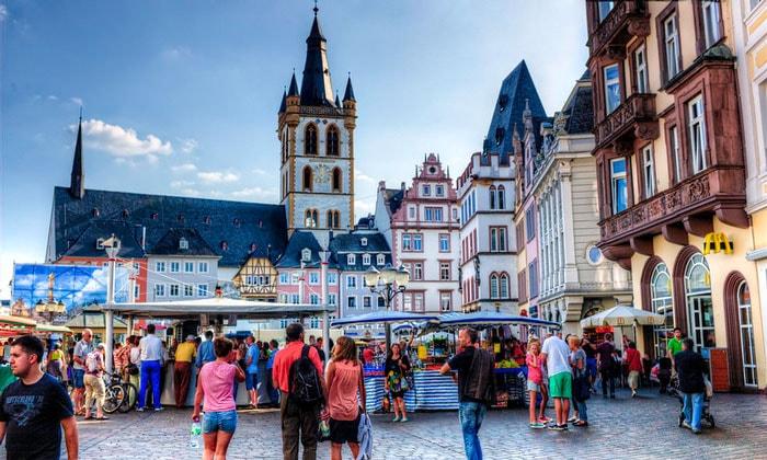 Рыночная площадь (Hauptmarkt) в Трире