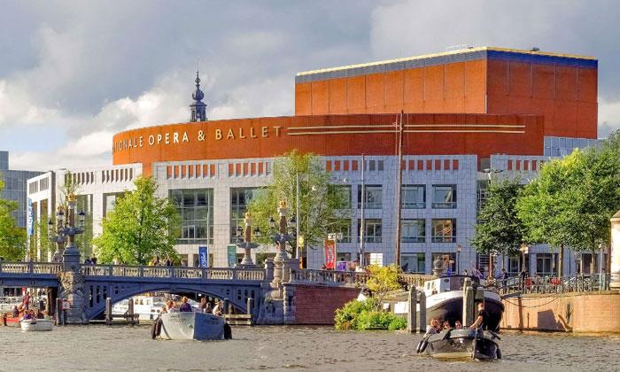 Национальная опера (Muziektheater) в Амстердаме