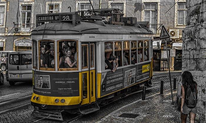 Трамвай № 28 в Лиссабоне
