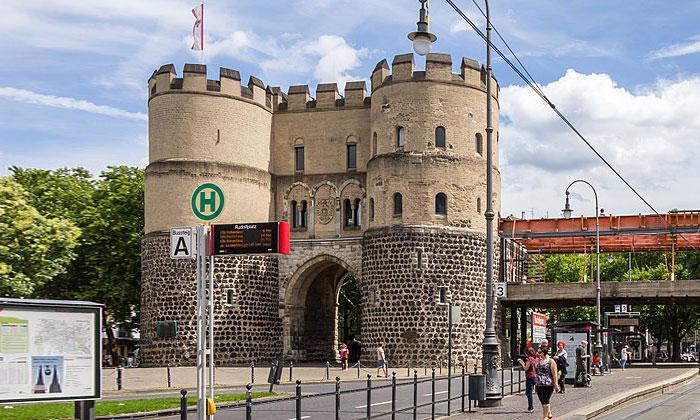 Ворота Ханенторбург в Кёльне