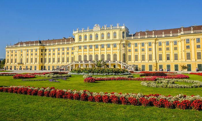 Дворец Шёнбрунн (Вена)