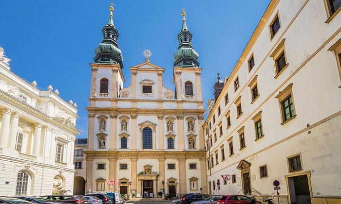 Иезуитская церковь Вены