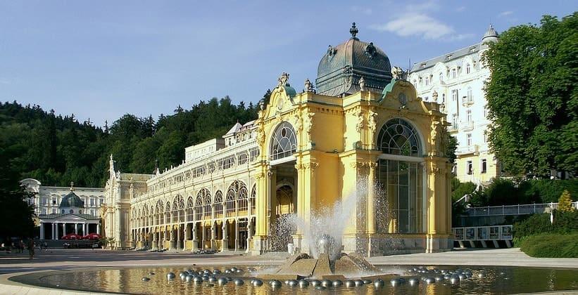 Колоннада Каролина в городе Марианске-Лазне (Чехия)