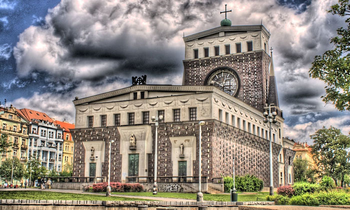 Костёл Пресвятого Сердца Господня в Праге