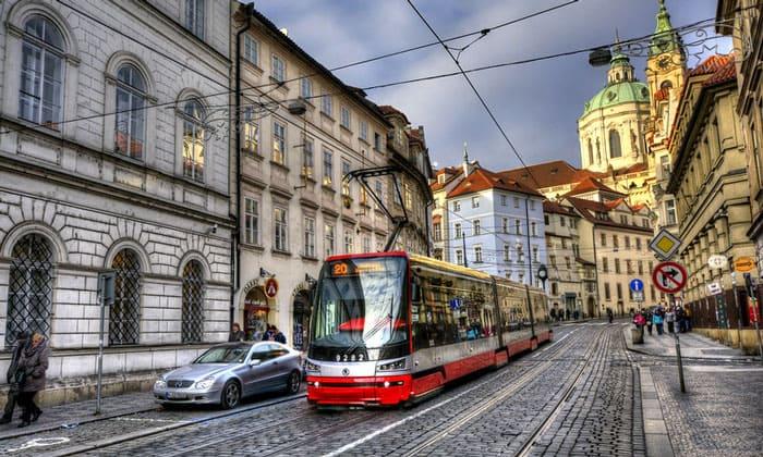 Муниципальный трамвай в Праге
