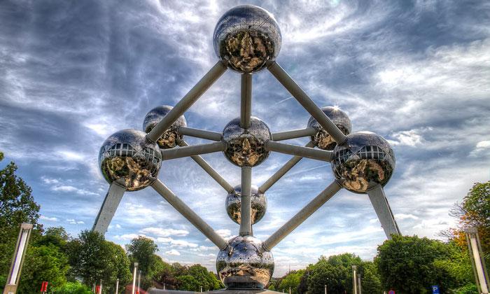 Скульптура Атомиум в Брюсселе