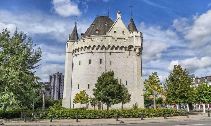 Ворота Халле в Брюсселе