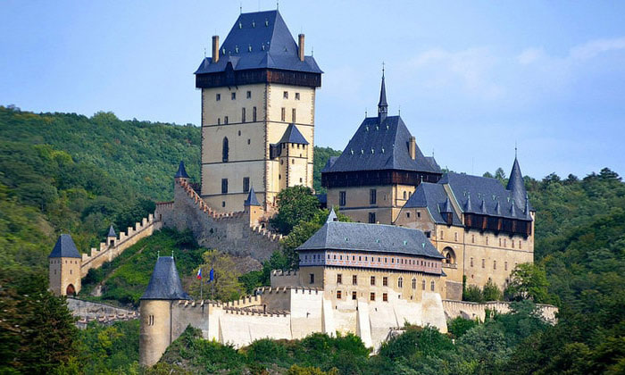 Замок Карлштейн в Чехии (окрестности Праги)