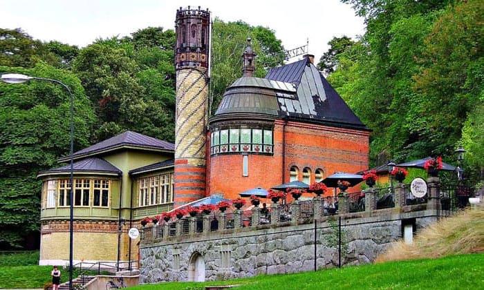 Кафе на острове Юргорден в Стокгольме
