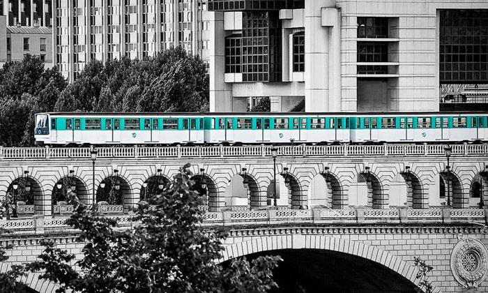 Электропоезд RER в Париже