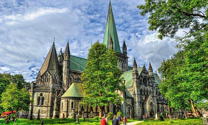 Нидаросский собор в Тронхейме
