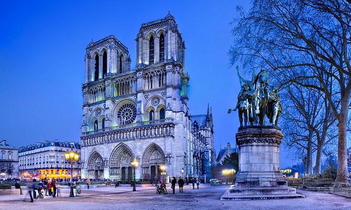 Собор Парижской Богоматери (Нотр-Дам де Пари) в Париже