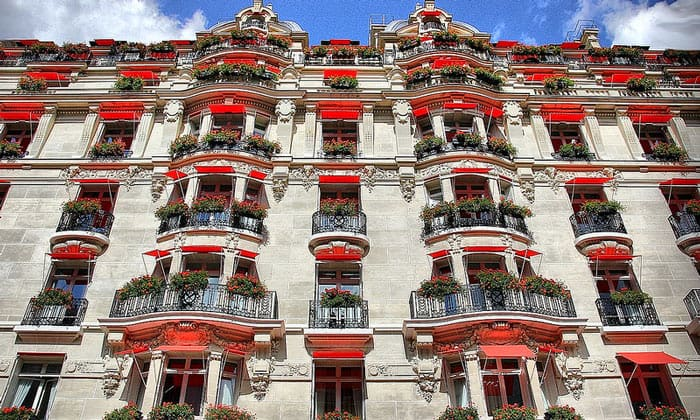 Отель Plaza Athenee в Париже