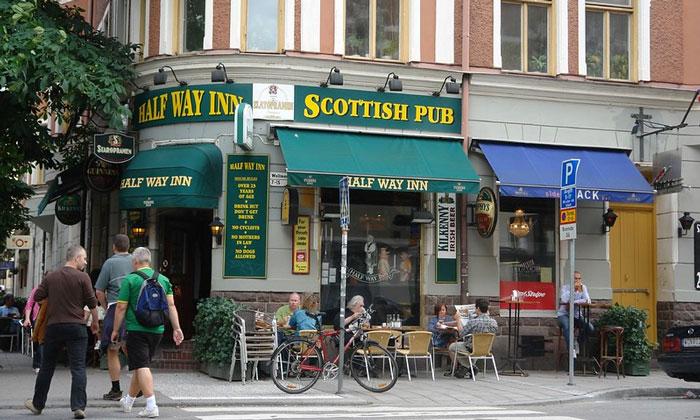 Шотландский паб Half Way Inn в Стокгольме