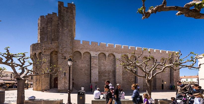 Церковь-крепость города Сент-Мари-де-ла-Мер