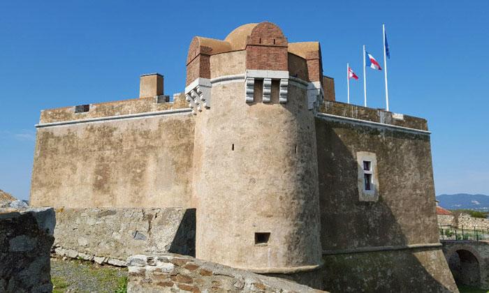 Цитадель-Музей истории мореходства в Сен-Тропе