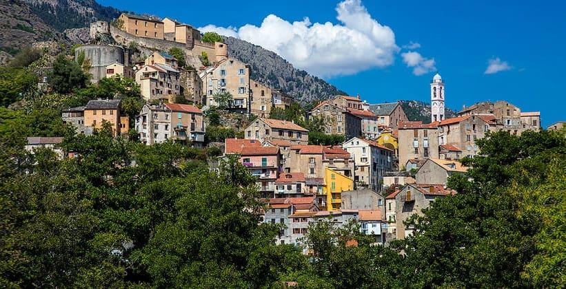 Город Корте во Франции