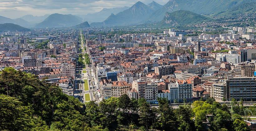 Город Гренобль во Франции