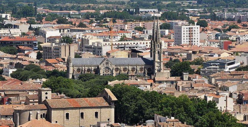 Город Ним во Франции