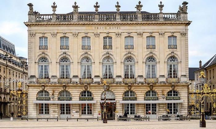 Отель Grand в городе Нанси