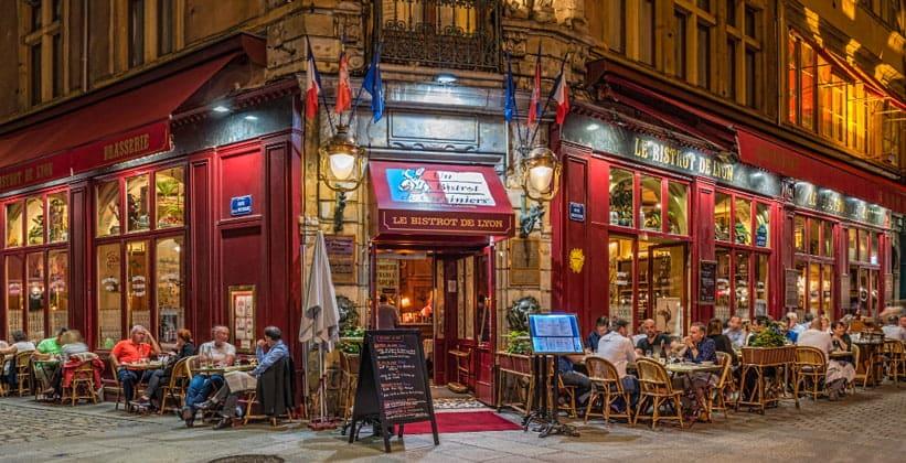 Ночное кафе Le Bistrot de Lyon во Франции