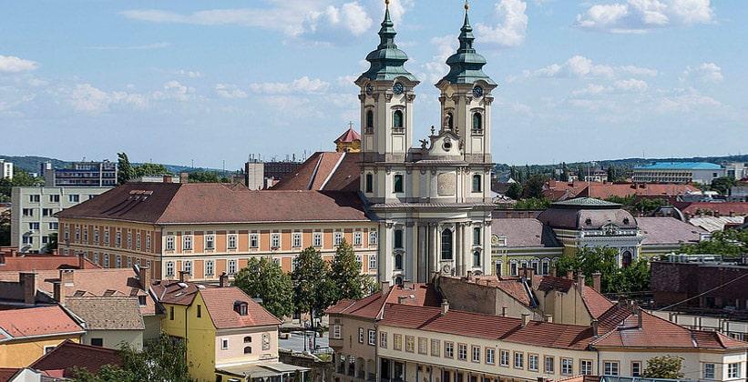 Церковь миноритов в городе Эгер (Венгрия)