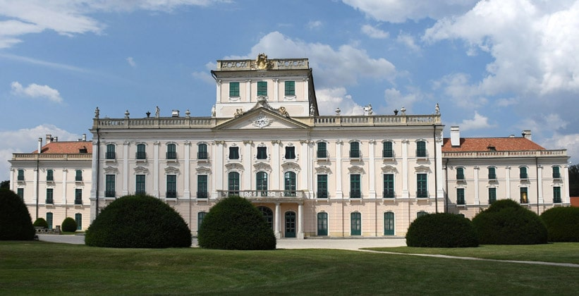 Дворец Эстерхази в Венгрии