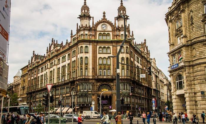 Отель Parisi Udvar в Будапеште
