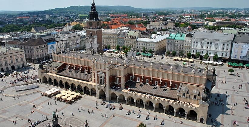 Здание Сукеннице в городе Краков (Польша)