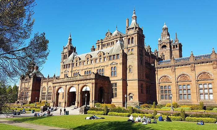 Галерея и музей Келвингроув в Глазго