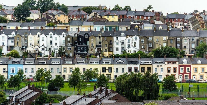 Город Дерри (Лондондерри) в Северной Ирландии