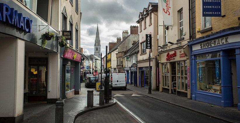 Город Эннис в Ирландии