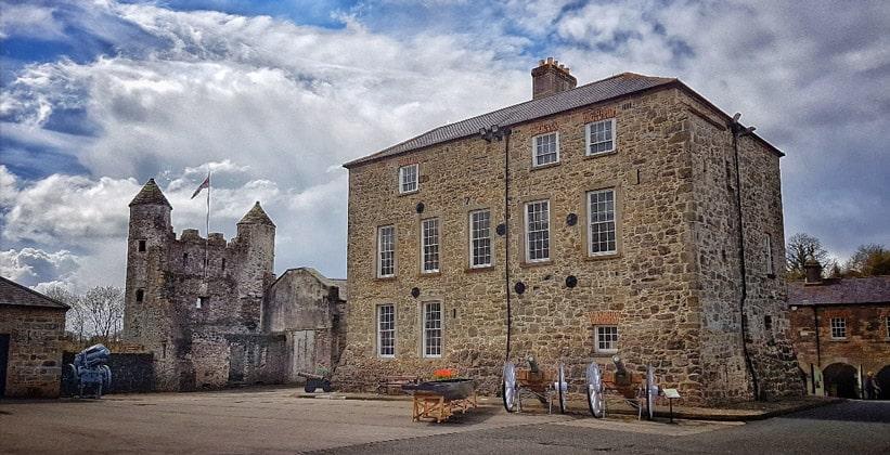 Музей и замок города Эннискиллен (Северная Ирландия)