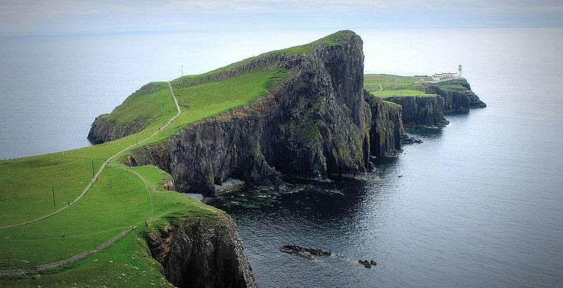 Мыс Нист-Пойнт на острове Скай (Шотландия)
